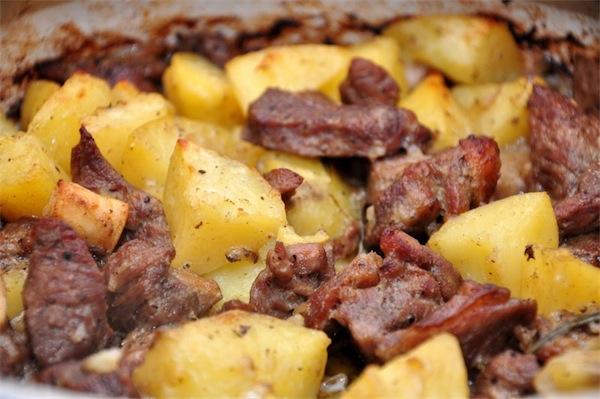 abbacchio al forno patate ricetta romana