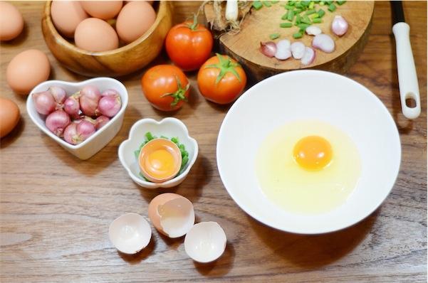 ricetta frittata cipolla e pomodoro